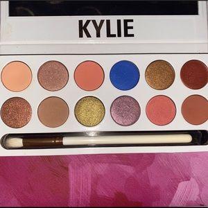 Kylie Cosmetics The Royal Peach Eyeshadow Palette